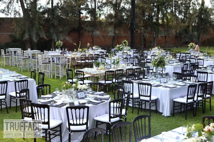 Mesas con centro de mesa estilo shabby chic boda ana y - Mesa shabby chic ...