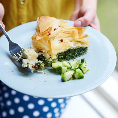 Spinazietaart met komkommersalsa recept - Jamie magazine