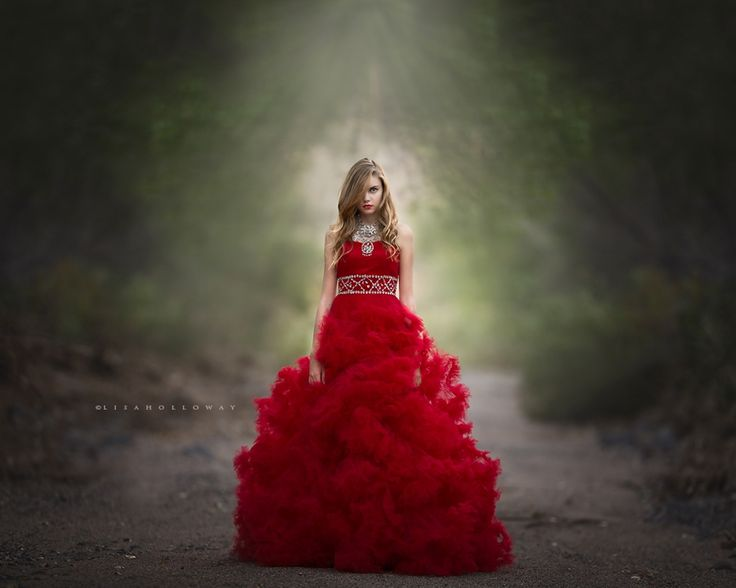 Lisa Holloway contrasting colours