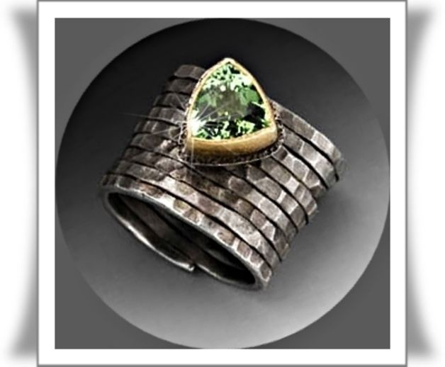 Goldringe - Trendy Peridot Ring in 14K Gold & 925/- Silver -  Designerstück by JewelryCreations on DaWanda♥♥