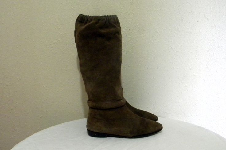 Sz 10b Vintage tall brown suede 1970s flat ladies riding boots. by bootdownvintage on Etsy