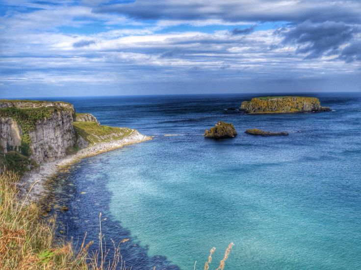 View to carrick-a-rede rope bridge