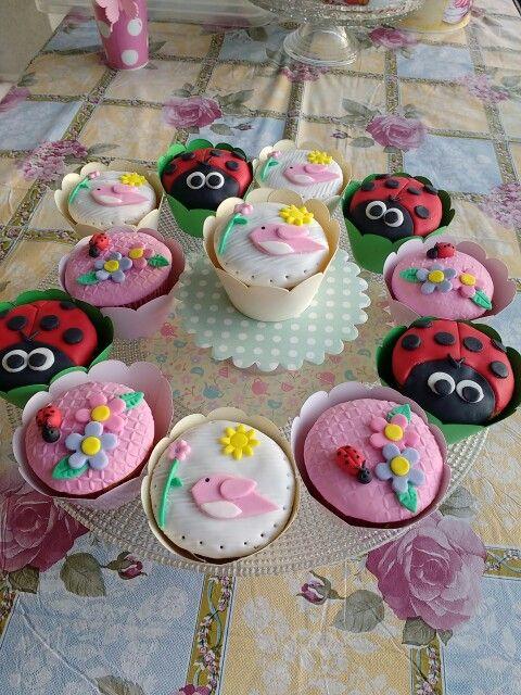 Cupcake Cenoura para Tema Jardim Encantado
