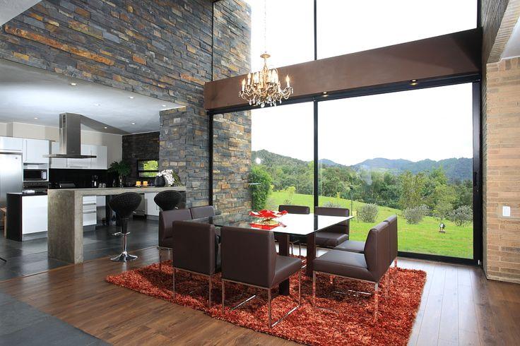 Bogota la calera espectacular casa campestre moderna de for Fachadas de casas de un solo piso