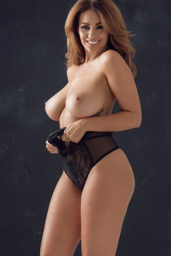Holly Peers topless see through in a studio for Page 3. Holly Peers is a nude model from Manchester (UK) born July 30, 1987. Height: 1.7 m.