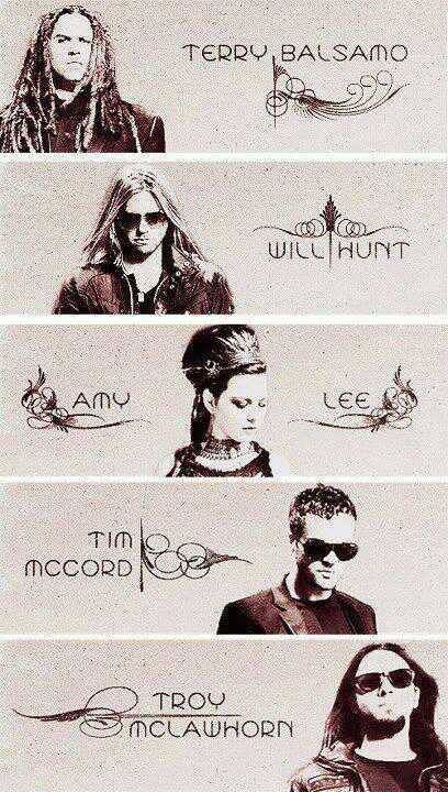 Terry Balsam, Will Hunt, Amy Lee, Tim Mccord, and Troy Mclawhorn. The gangs all here :D Evanescence