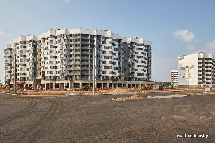 В Минске строят первый панельный дом с террасами на крыше и патио для жильцов первого этажа - Недвижимость onliner.by