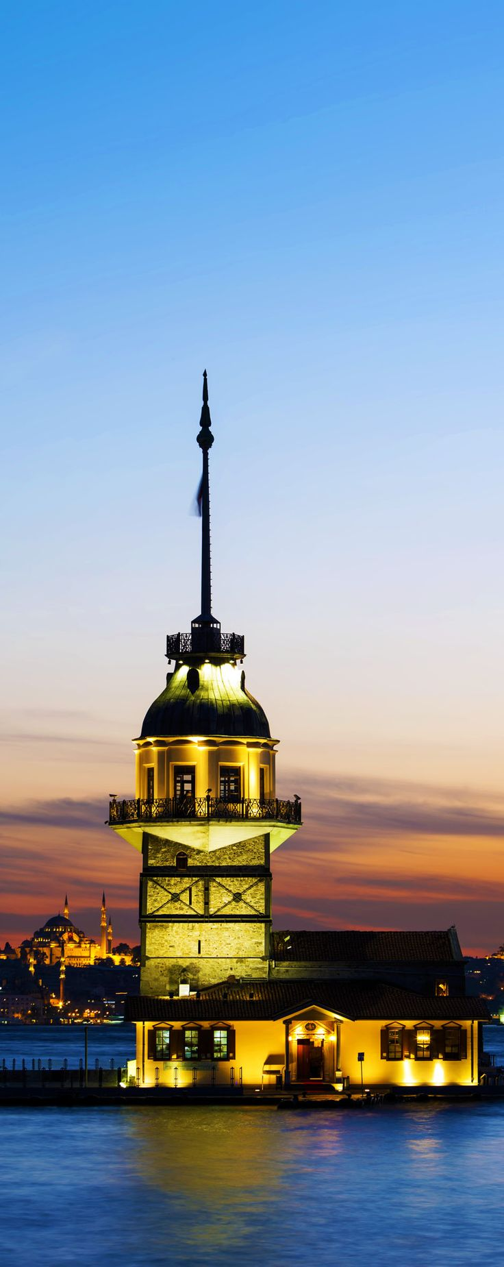 Maiden's Tower (Kiz Kulesi) also known as Leander's Tower since the medieval Byzantine period, is a tower lying on a small islet located at the southern entrance of the Bosphorus. | Top 11 Reasons to Visit Istanbul