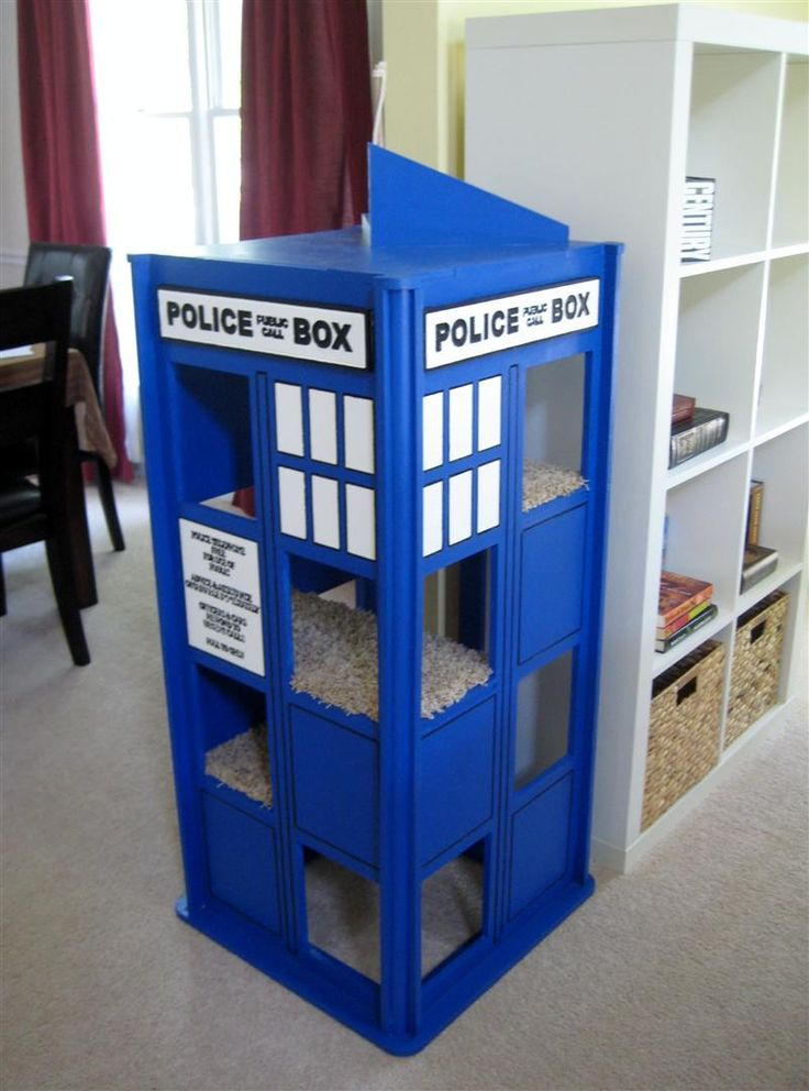 My cat needs this. Yes. ~She~ really needs this. TARDIS cat house, made by Jad Bean.