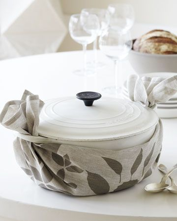 I love this serving suggestion! Surround your dutch oven with a tea towel and everyone, and everything, will arrive with styleCreuset Cookware, Dutch Ovens, Teas Towels, Tea Towels, Crucible, Towels Wraps, Darning Teas, Dishes Towels, Damn Teas