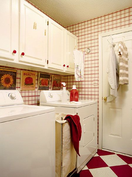 love all the red and white - cool floorDecor, Laundry Bags, Small Laundry Room, Room Ideas, Laundry Area, Laundry Rooms, Laundry Room Floors, Laundry Baskets, Laundryroom