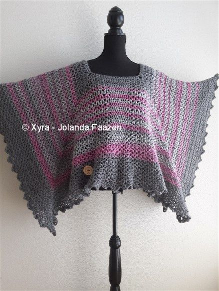 #PATR1029 #Omslagdoek #sjaal #haakpatroon #patroon #haken #gehaakt #crochet #pattern #scarf #shawl #poncho #DIY #recht #square #vierkant #trapezium Patroon (NL) is beschikbaar via: Pattern (English-US) is available at: www.xyracreaties.nl www.ravelry.com/stores/xyra-creaties www.etsy.com/shop/XyraCreaties
