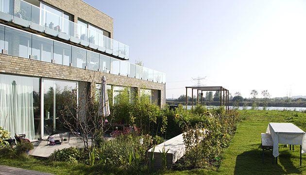 http://mopet.nl/mopet2/wp-content/gallery/0505/0505_404.jpg