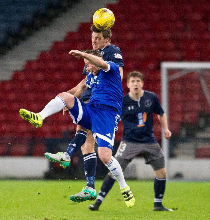 Queen's Park's Sean Burns in action during the Ladbrokes League One game between Queen's Park and Peterhead