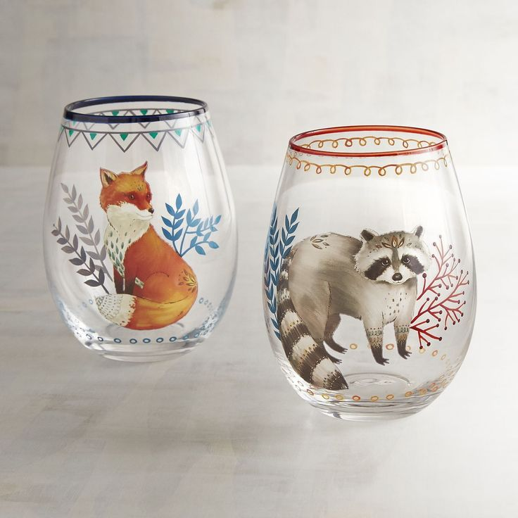 Take on an autumn attitude with our handblown, hand-painted glasses. Crafted exclusively for Pier 1, they feature either a sweet-faced fox or a raccoon.