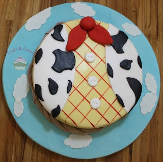 Crafts Cookies: Bolo do Woody - Toy Story Cake idea