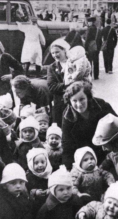 A photo taken during the evacuation of kindergartens and nurseries in Stalingrad. 1942