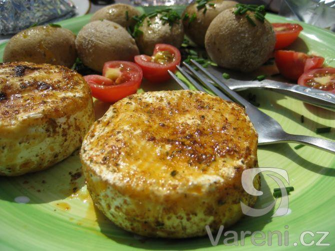 Recept na chutný grilovaný hermelín.