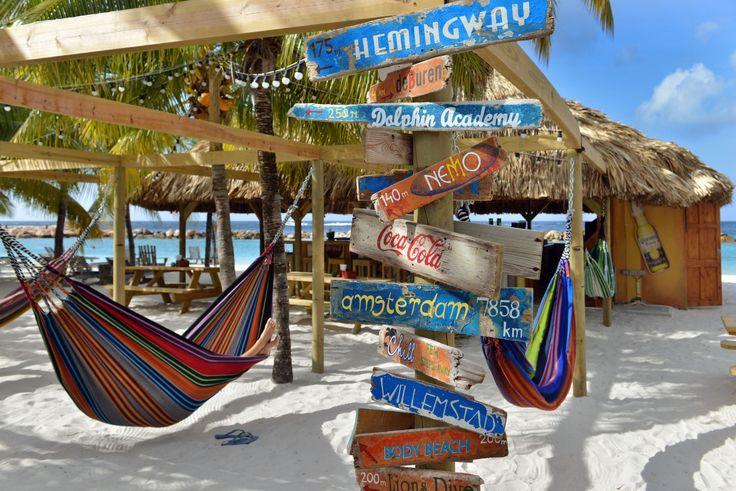 Die Chill Beach Bar im Lions Dive & Beach Resort, http://bit.ly/1TH2KgF