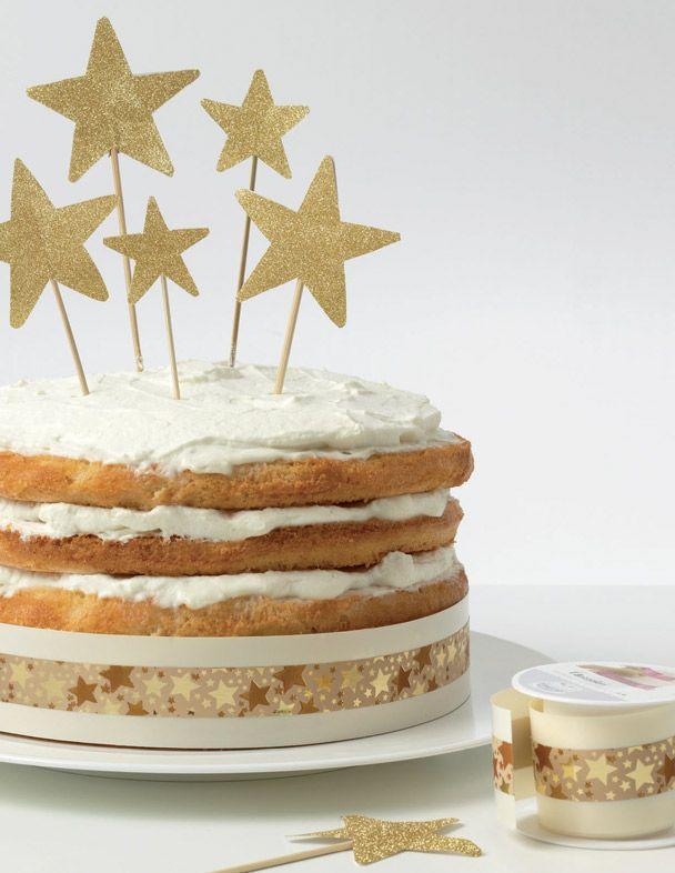 Dress Cake - Il Girotorta #christmas #idea #bows #ribbons #present #home #gift #garland #design #cakedesign #dresscake #cakeskirt #brizz