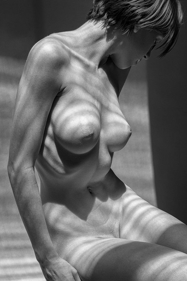 black and white nude pictures