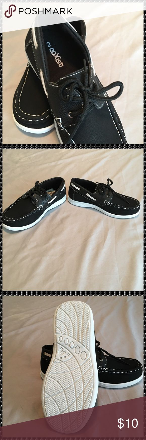 """CoXist Black Faux Leather Boat Shoes Size 2. Boys Big Kids.  CoXist Boat Shoes.  Black Faux Leather.  White Stitching and White Bottoms.  Bottom of shoe is 8 1/2"""" Long. CoXist Shoes Dress Shoes"""