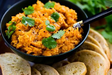 Carrot and chickpea dip