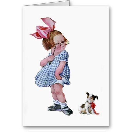 Vintage kinderenkunst door Charles Twelvetrees van een meisje die haar glazen op het uiteinde van haar neus houden terwijl het bekijken neer haar weinig puppy.  Zij draagt een mooie blauwe en witte geruite kleding en heeft een grote roze boog in haar haar.