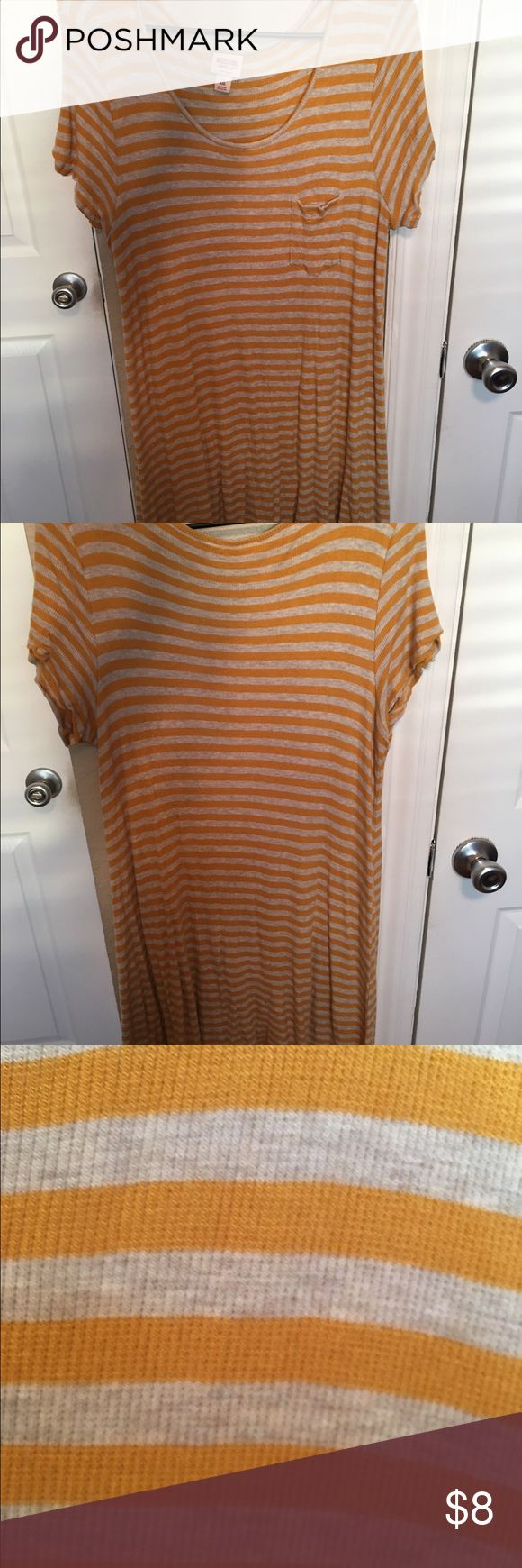 Striped plus size midi dress Striped plus size midi dress. Worn once. Great for people taller than 5'7! Super soft and stretchy material, not see through at all. Smoke free, pet free household. 🚫🚬🐶🐱 Mossimo Supply Co Dresses Midi