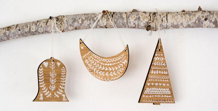 wooden ornaments: Bamboo Ornaments, Christmas Crafts, Christmas Patterns, Folk Christmas Art, Scandinavian Christmas, Woods Ornaments, Christmas Ornaments, Christmas Trees, Wooden Ornaments