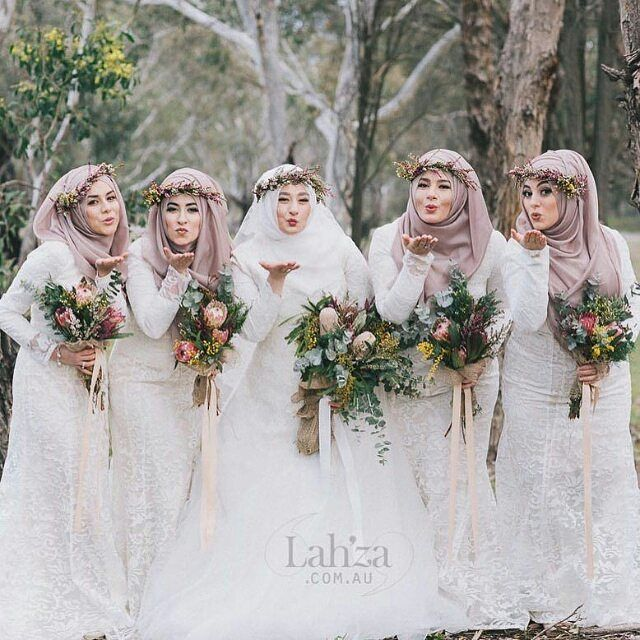 Kisses from Australia! Wonderful photo by @lahzaphotography ♥ ・・・ Scarf styling: @the_haya_atelier  Florals: @the_haya_atelier  Makeup: @beauty_byjulie and @chanel  Photography: @lahzaphotography  #hijabstyle #muslimbride #bridesmaids  #hijab #hijabbride #weddingbouquet #wedding #weddingphotography #muslimweddingphoto #muslimwedding #weddingideas #muslimweddingideas #weddingday #weddingdream #islamicwedding #weddingstyle #weddingtips #weddings #weddinginspiration #nikah #nikkah #nikaah…