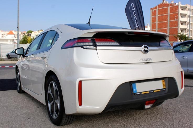 Opel Ampera | Artigo publicado em: http://razaoautomovel.com/2012/09/opel-ampera-370-n-m-de-binario-instantaneos.html