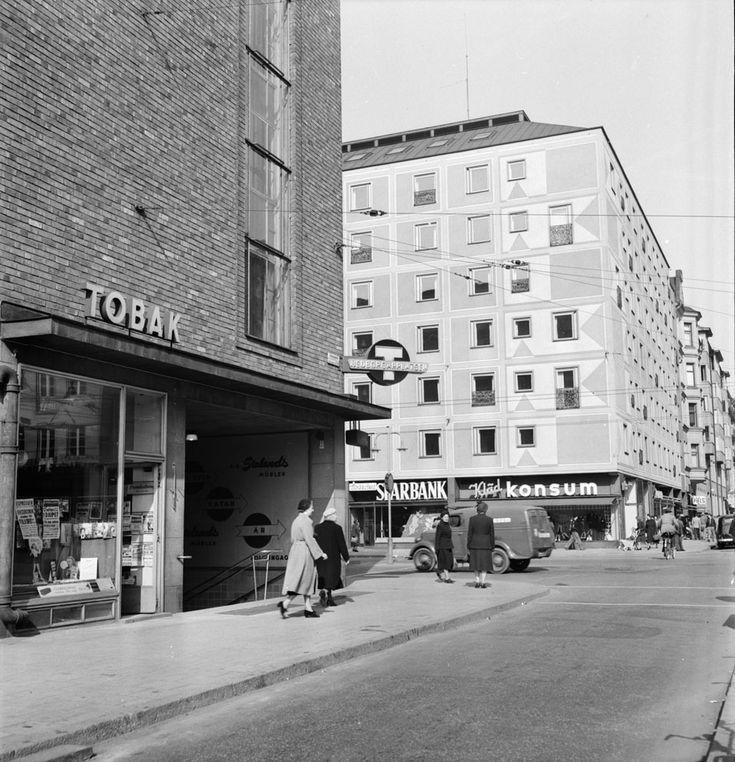 Nedgången till tunnelbanan vid Medborgarplatsen 1952