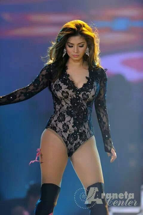 Sexy Angel Locsin While Performing At Enrique Gil Concert -1524