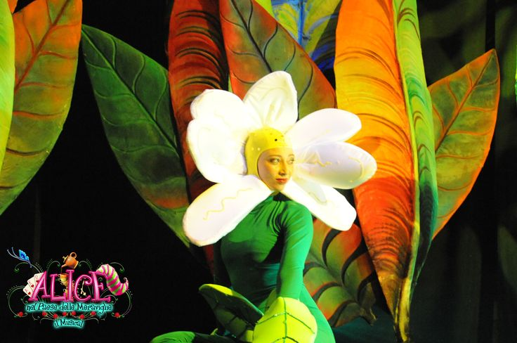FLOWER from: Alice nel paese delle meraviglie il Musical (Alice in Wonderland the Musical) COSTUMES, SCENOGRAPHY & GRAPHYC by Annalisa Benedetti copyright Annalisa Benedetti & Enrico Botta #alice #aliceinwonderland #musical #wonderland #annalisabenedetti #flower