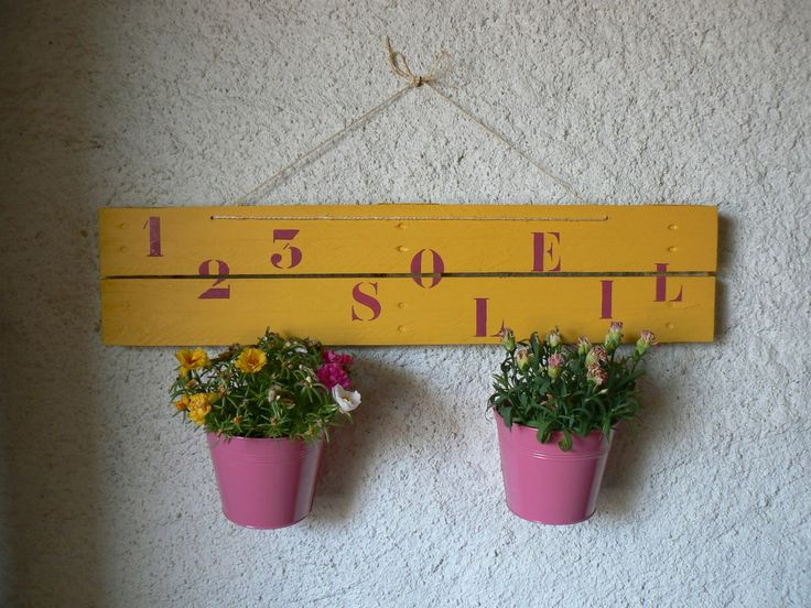 suspension pour pots de fleurs en bois de palette pots. Black Bedroom Furniture Sets. Home Design Ideas