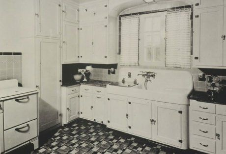 1930s arts and crafts kitchen (site shows 16 vintage Kohler kitchens — and an important kitchen sinks still offered today)