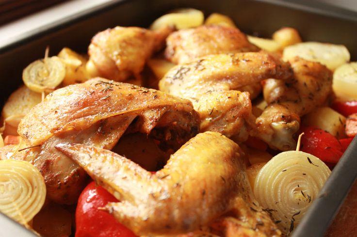 Кусочки курицы запеченные в духовке с картошкой