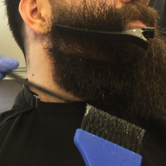 (Hello, glad that you loved my work, this beard needs 3 steps to work on, 1- straight the beard 2- use the machine and then the scissor by trimming it 3- use wax and oil to make it easier while straightening it which gonna makes it look nice)  #beautifulbeard #beardmodel #beardmovement  #baard  #bart #barbu #beard #beards #barba #bearded #barbudo #barbeiro #beardviking #beardo #hipster #menhair #fullbeard #barber #barbuto #barbershop #barbearia #boroda #beardlife #beardstyles #longbeard4