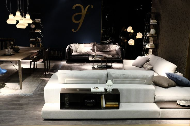 Design Sofa Plat Von Arketipo Mit Integriertem Regal Und Beistelltisch.  Polstersofa Plat Modern Arketipo Italienisches Möbeldesign