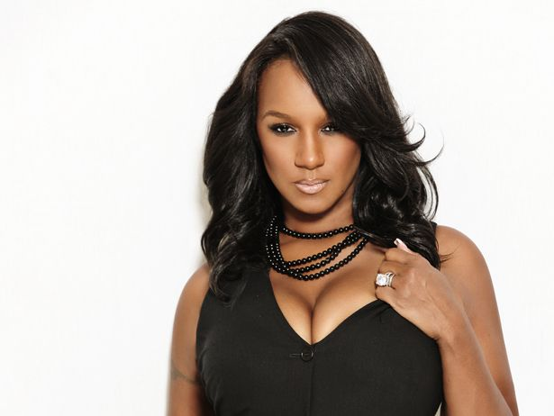 """Jackie Christie's Recap Of This Week's Basketball Wives LA: """"Invisible Smashed Homies""""- http://getmybuzzup.com/wp-content/uploads/2014/04/275419-thumb.jpg- http://getmybuzzup.com/jackie-christies-recap-weeks-basketball-wives-la-invisible-smashed-homies/- By Elizabeth Black During this season of Basketball Wives LA, the VH1 Blog is happy to have Jackie Christie guest blogging her thoughts to every episode of the show. This week, Jackie discusses her excitement about he"""