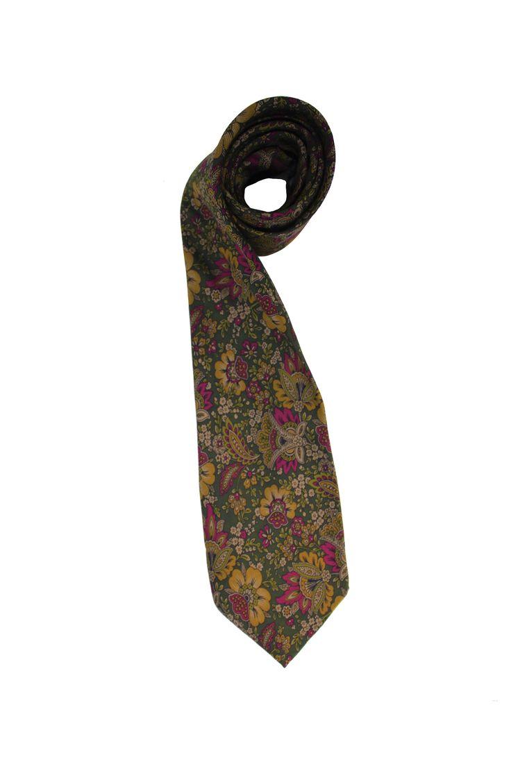 vintage silk tie from Van Gils. Made of 100% silk.