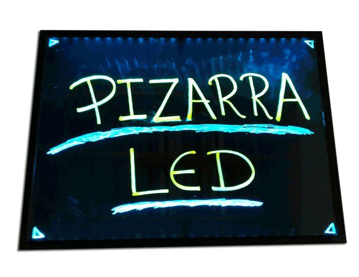 PIZARRAS DE TIZA Pizarrones de tiza común en color negro que se utilizan con tiza o con marcadores fluorescentes. Son fabricados en madera de seike con la veta vista y son apropiados para informaci…