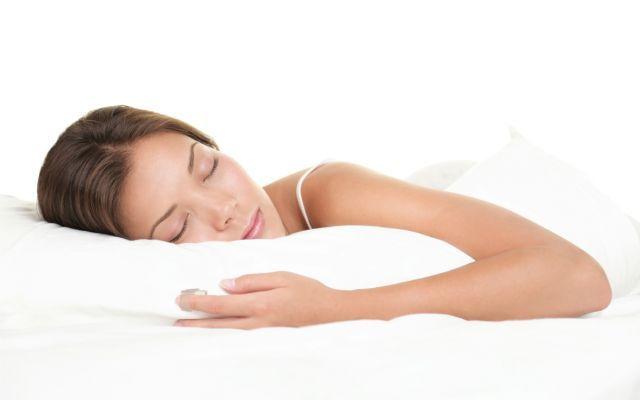 Bere Prima Di Dormire? C'è Una Precisa Spiegazione Scientifica Scommetto che anche a molti di voi che state leggendo questo articolo capita di sentire il bisogno d dormire bere sonno scienza