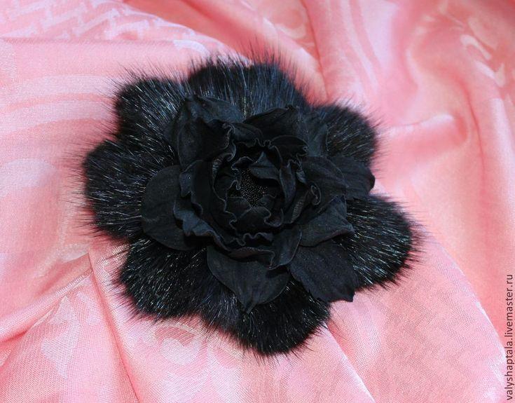 Купить брошь из меха норки и замши - черный, брошь, брошь зимняя, зимний аксессуар