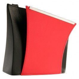 Papillon S En præsentabel håndtaske med god plads til lidt af hvert.  Ensfarvet eller i en kombination med sort og én af de andre standardfarver - sort, rød, vinrød, kastanje, mørkegrå eller sten.