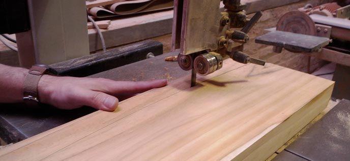 Transformar la madera en muebles es un arte que no todos saben hacer. Consigue hacerlo gracias a este curso de carpintería online totalmente gratuito. > http://formaciononline.eu/curso-de-carpinteria-online/