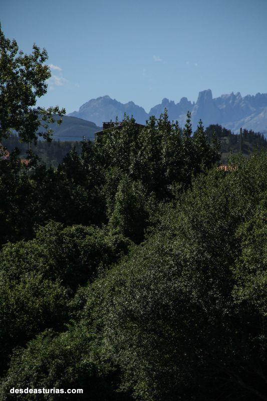 Rutas por Asturias. Naranjo de Bulnes desde Llanes. https://www.desdeasturias.com/asturias/que-ver-y-que-hacer/rutas/