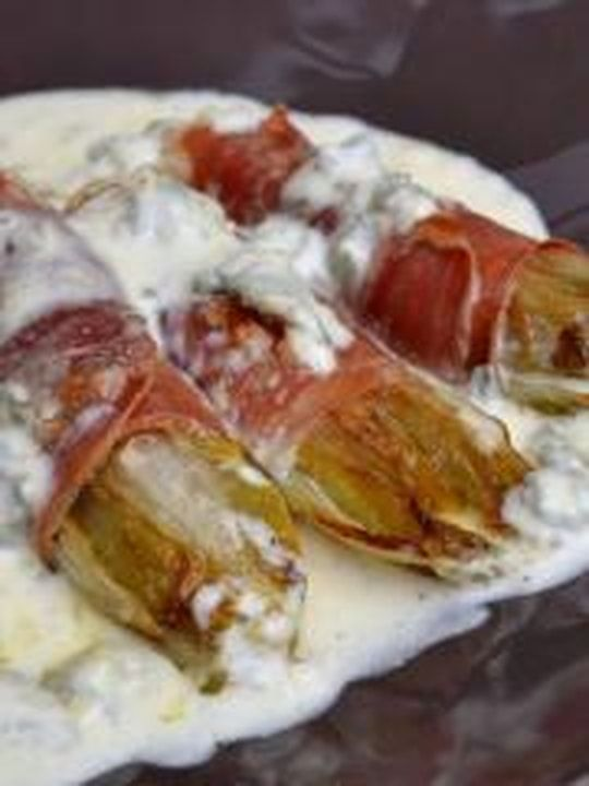 Chicons braisés au jambon cru et au gorgonzola