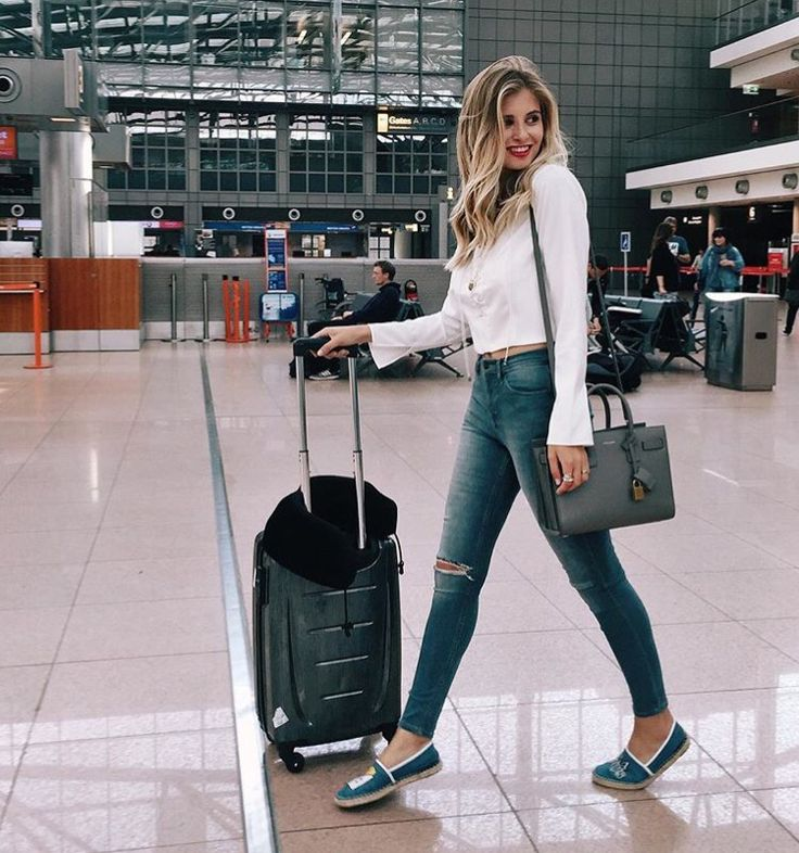 Pinterest @randodi95 #airport #travel #outfit